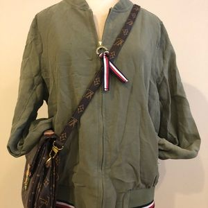 Tommy Hilfiger Army Green  Lightweight Bomber 🥇